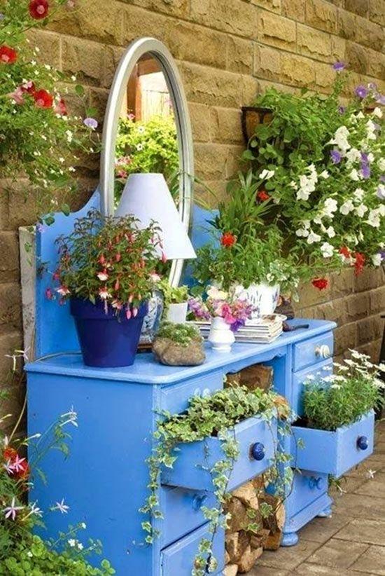 komoda ako zahradní dekorace