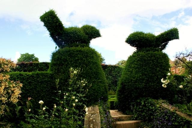zahradní křy ve tvaru slonů