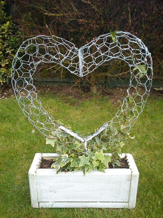 forma pro popínané květiny ve tvaru srdce